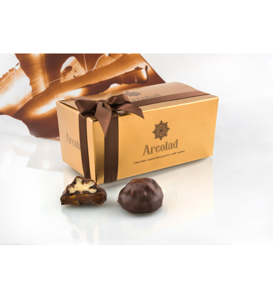 chocolate_coated_dried_apricot_with_walnut_1579596479-03bfc65086ce81ca5e2c4c7700e18e61.png